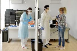 Ibiza ha suministrado 700 dosis del lote de AstraZeneca sospechoso de causar trombos