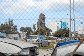 Proyectan un apartahotel en la parcela del gorila de Cala de Bou