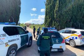 La Guardia Civil denuncia a seis personas por llegar al aeropuerto de Ibiza sin causa justificada