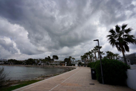 Frío invernal, viento y precipitaciones en Baleares desde el jueves