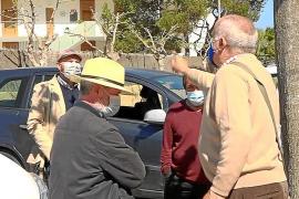 700 firmas y mucha bronca por el cambio de la sede de los mayores de Cala de Bou