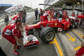 Alonso cree que «cuanto más lío haya, mejor»