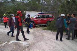 Complejo rescate de un escalador herido grave tras sufrir una caída en Cala Aubarca