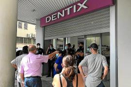 La Policía disolvió a los afectados por el cierre de Dentix en Ibiza en ocubre pasado
