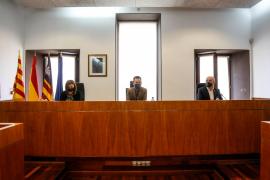 La comida de Armengol en el interior del Ayuntamiento de Ibiza «no es sancionable»