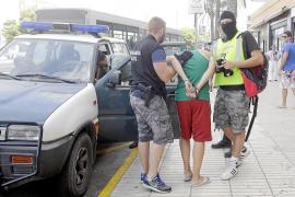 Los agentes del EDOA han detenido a más de 400 personas por tráfico de drogas en Eivissa