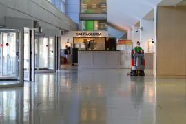 CCOO denuncia por acoso y estrés laboral a la empresa de limpieza del aeropuerto