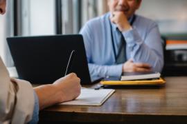 ¿Qué información debe contener un buen currículum vitae?