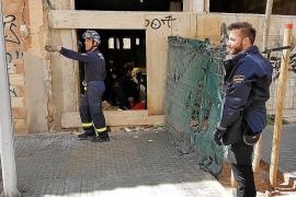 Investigan el incendio intencionado en el edificio okupa de la calle Reyes Católicos