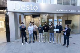 Los participantes de la Vuelta a Ibiza a pie donan 2.660 euros a Cáritas y One Planet One Life