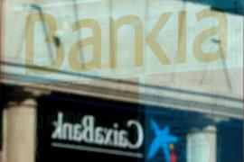 Competencia da luz verde a la fusión de CaixaBank y Bankia con condiciones
