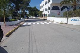 Sant Antoni dota de un paso de peatones al Camí de Cap Negret