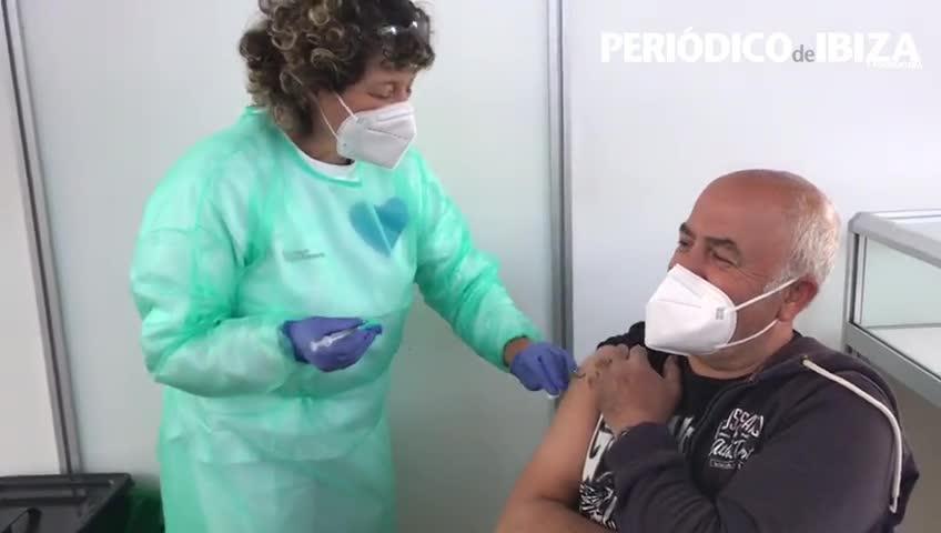 Ibiza y Formentera retoman la vacunación al ralentí 10 días después