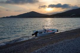 La llegada de una nueva patera a Ibiza este jueves, en imágenes.
