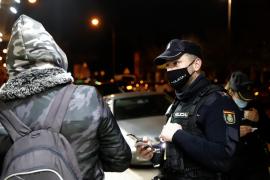 La policía salva a una mujer que estaba siendo asfixiada por su casero en Palma