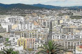Multa de 4.200 euros para unos vecinos por obstruir el trabajo de los inspectores de Turismo del Consell de Ibiza