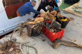 En 2019 se recogieron más de 12.000 kilos de plásticos en las aguas de las Pitiusas