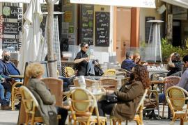 Sanidad sitúa a Baleares en el nivel mínimo de riesgo pero seguirán todas las restricciones