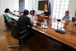 Pedro Sánchez preside la reunión del Comité de Seguimiento del Coronavirus