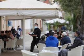 El Govern busca lograr un acuerdo en la subida salarial de hostelería