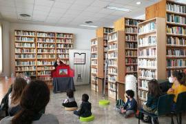 Can Ventosa celebra el Día del Libro Infantil y Juvenil con teatro familiar y nueva decoración