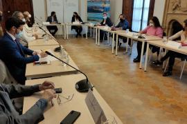 La subida salarial para los trabajadores de la hostelería en Baleares se pospone dos meses