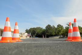 Los exámenes de moto en Santa Gertrudis, a la espera de la decisión del Consell