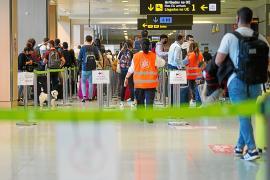 El Consell exige un control estricto a los pasajeros que llegan en vuelos privados
