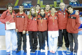 Víctor Aranguren y Dora Córdoba se dan un baño de oro