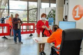 Baleares vacunará a casi cien mil personas con dosis de AstraZeneca