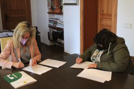 Santa Eulària renueva su colaboración con la AAVV Cala Llonga
