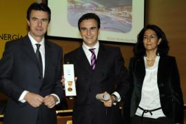 Matutes Prats recibe la Medalla al Mérito Turístico de manos del ministro Soria