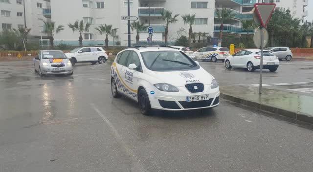 Una gran caravana reclama la equiparación salarial en Ibiza