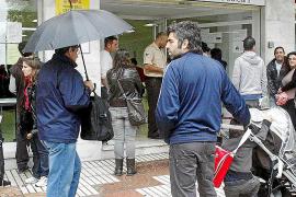 Las Pitiüses cierran noviembre con 12.056 desempleados,  210 menos que hace un año