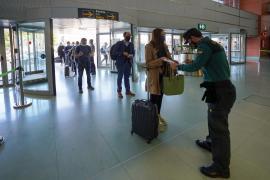 Los controles en el aeropuerto de Ibiza no detectan ningún positivo en coronavirus en la última semana