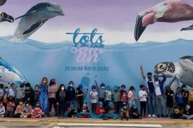 Cerca de 200 niños reciben estos días el primer taller educativo Clean Wave