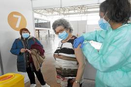El revés de Janssen apenas afectará a la vacunación del grupo de 70 a 79 años en Baleares