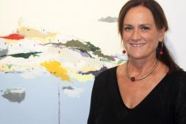 Ibiza se llena de color con la última muestra de la artista Diana Bustamante, 'Illa pintada'