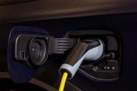 ¿Compraríamos más vehículos eléctricos si estuviéramos mejor informados?