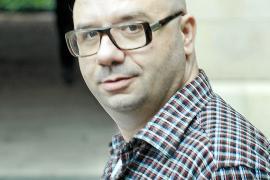 Marc Cerdó: «Xesca Ensenyat no escribía novelas, las perpetraba»