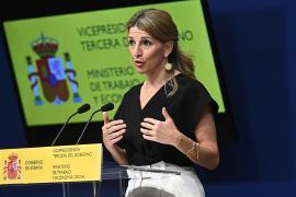 Yolanda Díaz se convierte en blanco del PP y Vox en la sesión de control del Congreso