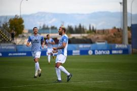 El Atlético Baleares se impone al Mérida y se agarra al segundo puesto