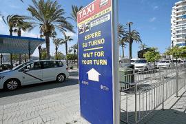El galimatías normativo desconcierta a los taxistas