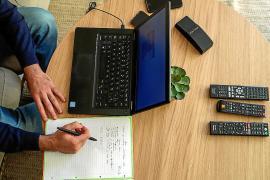 Casi el 20 % de los funcionarios del Estado en las Islas hace teletrabajo