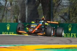 Lorenzo Fluxá avanza posiciones en la segunda carrera de Imola