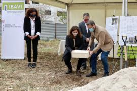 El Govern pone la primera piedra de dos nuevas promociones de vivienda pública en Palma