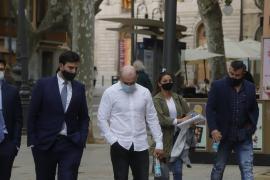 El acusado por la agresión mortal del cliente de un pub de Magaluf niega que le diera una patada en la cabeza