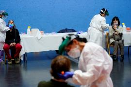 Siete comunidades y Ceuta y Melilla se encuentran en riesgo extremo de transmisión de la COVID
