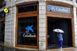 Caixabank recortará 358 empleos en Baleares