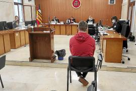«Peleando» donde dijo «flirteando». Suspendido un juicio por violación por la errática traducción de la intérprete